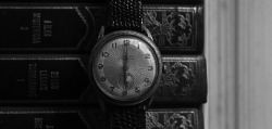 Old Watch at 06h00